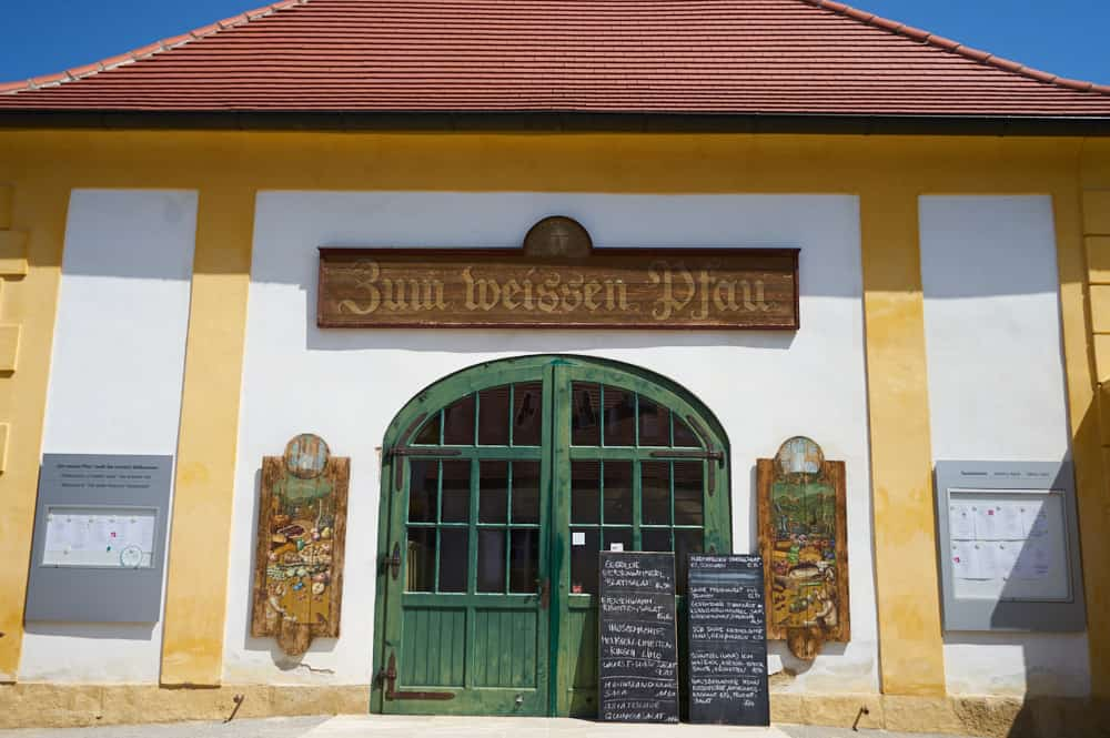 "Restaurant ""Zum weissen Pfau"" Schloss Hof"